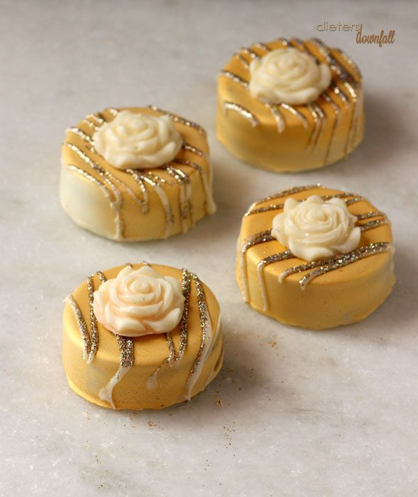 image gallery of chocolate dipped oreos   Chocolate Covered Oreo's dressed in gold and diamonds. Cookies are ...