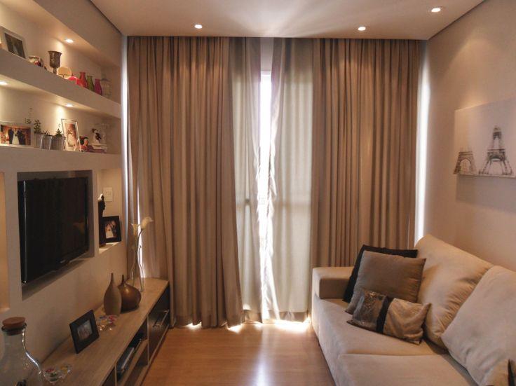 Iluminação e cortina embutida.