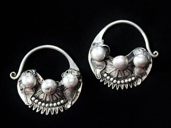Große Miao Ohrringe vintage von neemaheTribal auf Etsy