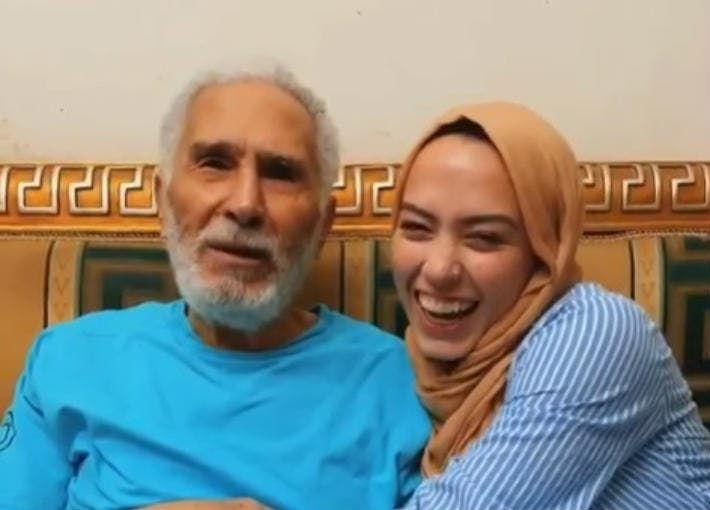 حفيدة الفنان عبد الرحمن أبو زهرة تخطف أنظار الجمهور بإطلالتها في حفل خطوبتها صور وفيديو Couple Photos Photo Couples