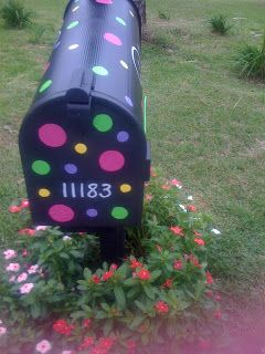 Spotted Creations: Hand Painted Mailboxes