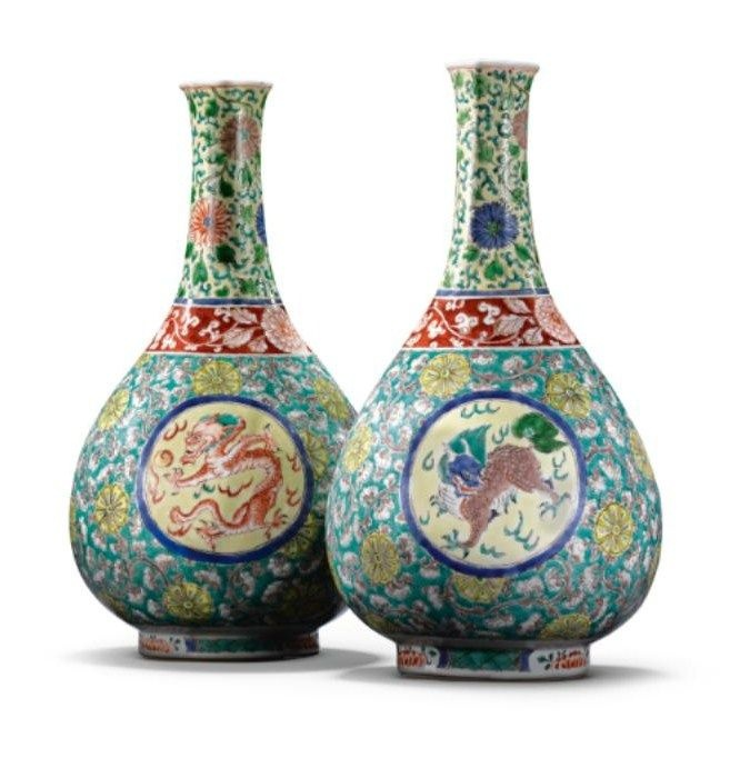 Dragon' bottle vases, Qing dynasty, Kangxi period.