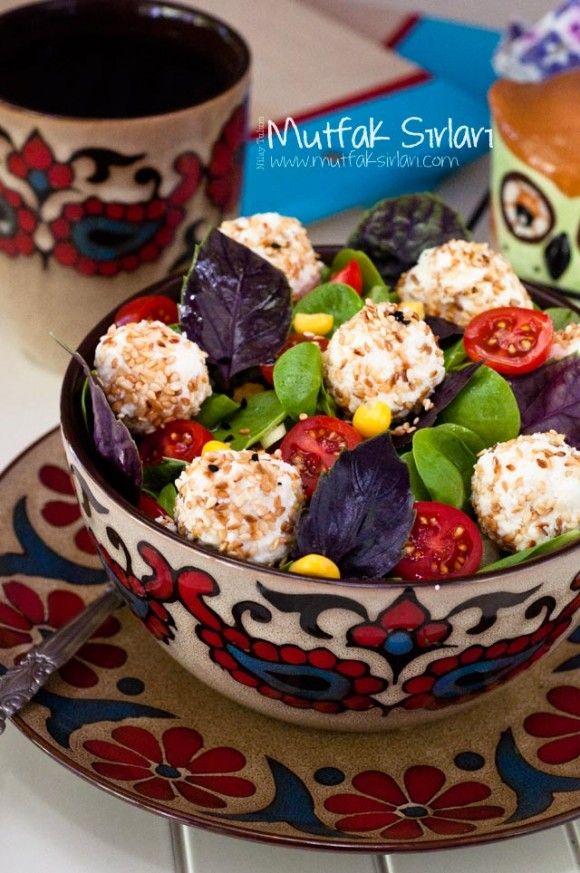 Reyhanlı Semizotu Salatası ve Susamlı Lor Topları nasıl yapılır ? Ayrıca size fikir verecek 2 yorum var. Tarifin püf noktaları, binlerce yemek tarifi ve daha fazlası...