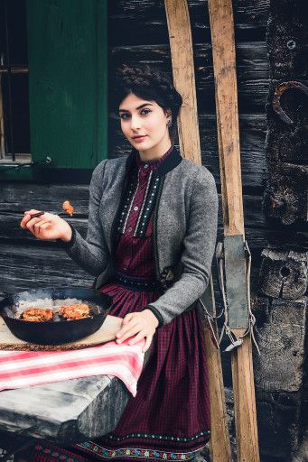✩ Lena Hoschek Tradition Autumn Winter 2015/16 ✩