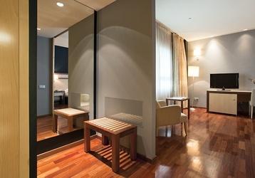 Descubre Madrid alojándote en el mejor hotel de la capital. http://www.ilunioncaletapark.com/