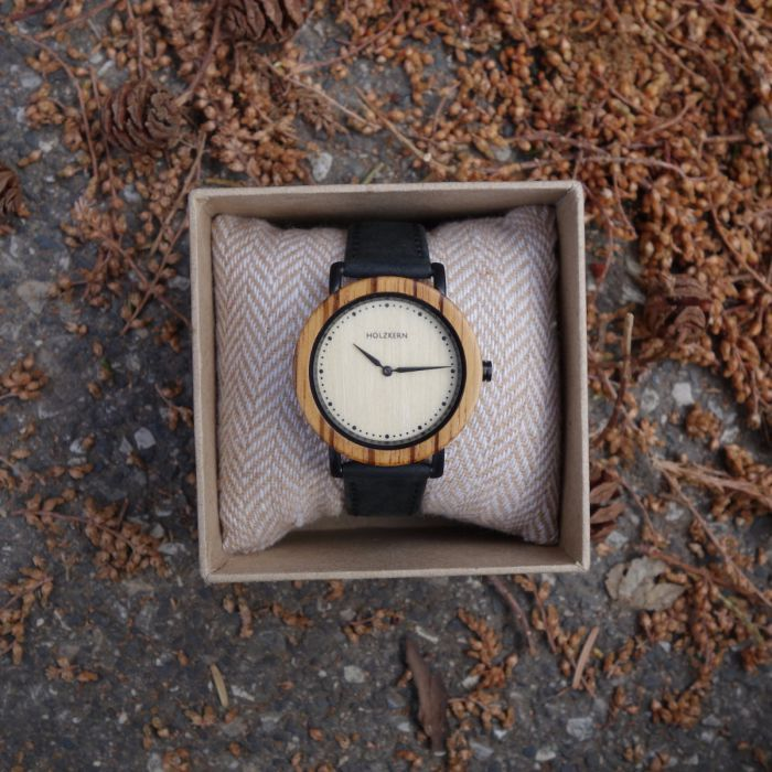 Pluto (Zebrawood/Maple)   Holzkern Wood Watches