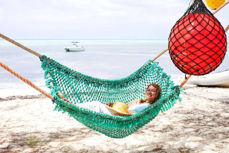 Meine Hamburger Kollegin und Freundin Andrea Tapper mit Winterbüro und Lover auf Sansibar über die schönsten Strandhotels auf der Insel im indischen Ozean.