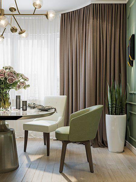 Используя элементы скандинавского и современного стилей, дизайнер Варвара Шабельникова создала в этой четырехкомнатной квартире индивидуальный интерьер с интересными деталями. В гостиной, оформленной в пепельно-голубом цвете, много стеллажей и шкафов, при этом два из них утоплены в стене и не занимают много места. Бросаются в глаза картина с изображением жирафа и современная люстра с множеством лампочек. … Далее
