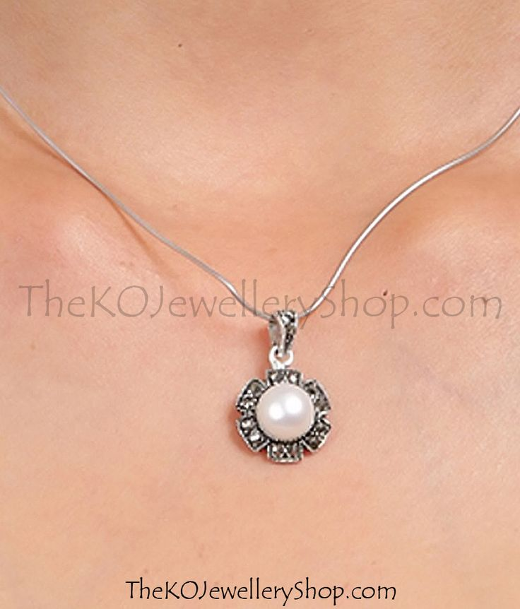 Buy online hand crafted silver pendant set for women