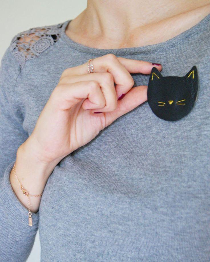 Mettez votre matou sur votre broche avec ce DIY broche chat     Put your cat on your pins with this DIY cat pins