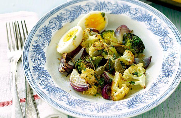 Ugnsrostade grönsaker med brynt salvia- och kaprissmör – Recept