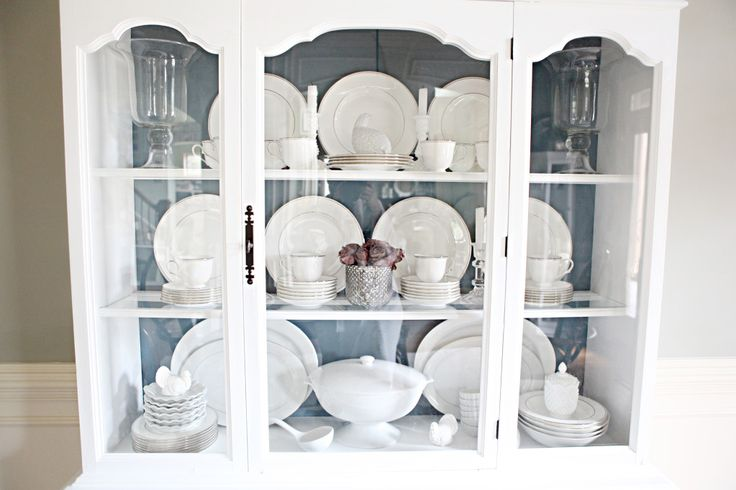 How to arrange china in cabinet - Wish I had enough space for a huge china cabinet like this one! And enough china to fill it. ;)
