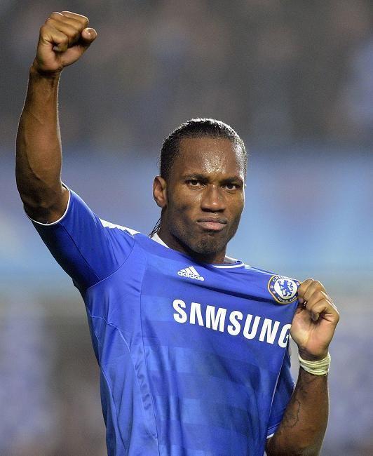 """DROGBA  """"Estoy aquí para el Chelsea, pertenezco al Chelsea, amo este club, gane muchas cosas aca, gane todo, FA Cups, titulos de Premier League… Mi corazon es azul y lo seguira siendo por años y años y años."""""""