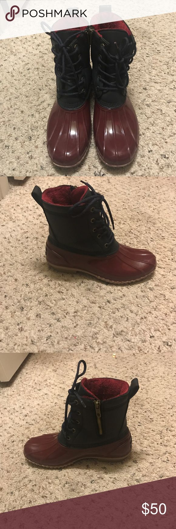 👢Tommy Hilfiger Duck Boots Burgundy and Navy Blue. Gold zipper and accents. Tommy Hilfiger Tommy Hilfiger Shoes Ankle Boots & Booties