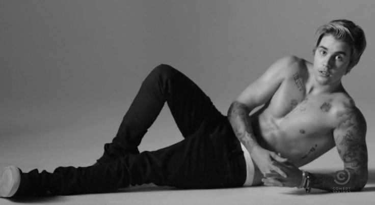 Justin-Bieber-Calvin-Klein-Ad-Spoof-Comedy-Central-Roast-Photo-2015
