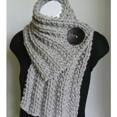 Crochet ScarfIdeas, Buttons Scarf, Fashion, Style, Knits Scarves, Yarns, Chunky Knits, Crafts, Crochet Scarfs
