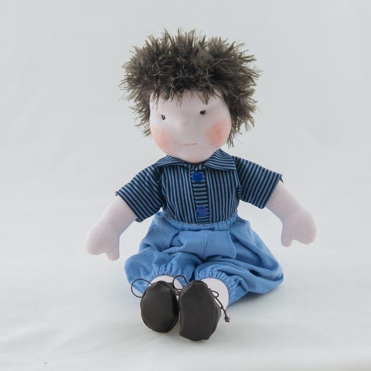 Poupée de chiffon façon Waldorf, pantalon bleu et teeshirt rayé bleu : Jeux, jouets par timounalily