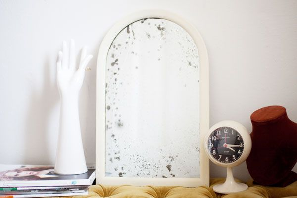 How to Antique a Mirror by  modcloth #Mirror #Antique_Mirror #DIY #modcloth: History, Dressers Mirror, Antiquemirror Diy, Diy Antiques Mirror, Antique Mirrors, Antiques Mall, Accessories, Diy Antiqued Mirror, Clocks