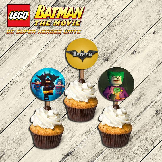 He encontrado este interesante anuncio de Etsy en https://www.etsy.com/es/listing/510492154/batman-lego-topperstoppers-batman
