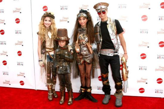 Get the Inside Scoop on those Amazing Halloween Costumes from Girl Meets World