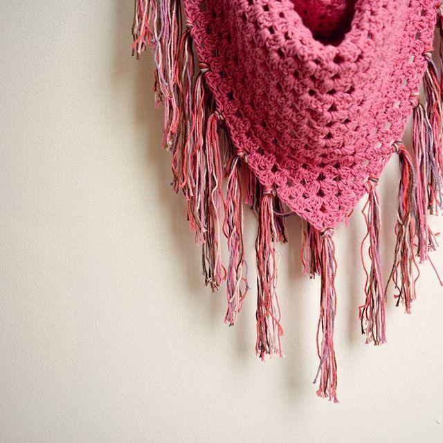En feria Innatura podrás encontrar cuellos tejidos a crochet en algodón puro 100% hand made. Visita nuestro stand desde el viernes 20 hasta el domingo 22 de mayo. Te esperamos!