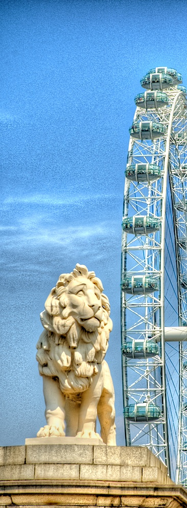 The Coade Lion & London Eye, Westminster Bridge. England