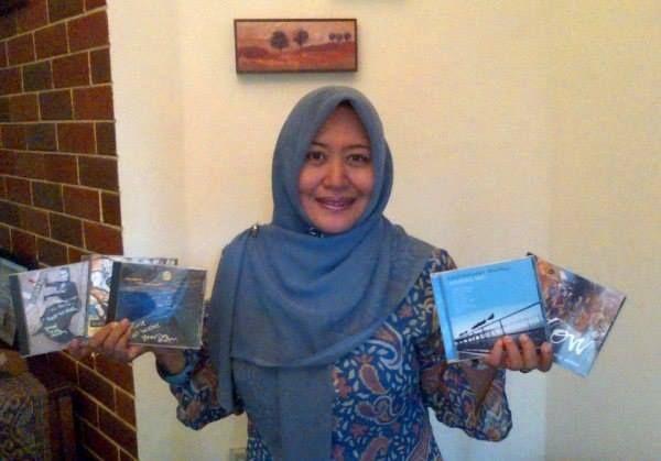 Arie Rachmawati: Tentang Mereka