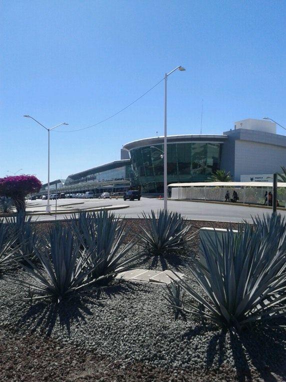 """Fotos en Aeropuerto Internacional de Guadalajara """"Miguel Hidalgo y Costilla"""" (GDL) - Aeropuerto"""