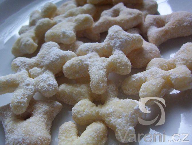 Šlehačkoví medvídci.Cukroví ze šlehačky je krásně křehké.