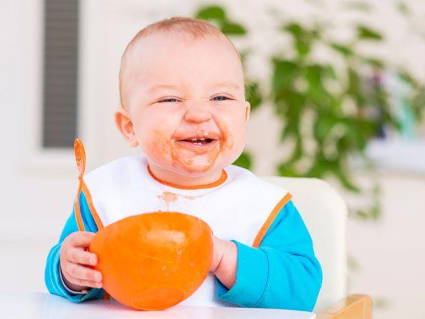 Babybrei selbst herzustellen ist gar nicht schwer! Die Zubereitung geht schnell, ist simpel, preiswert und bringt eine Menge Spaß. Wie das geht und was Ihr dafür braucht, erfahrt Ihr hier!