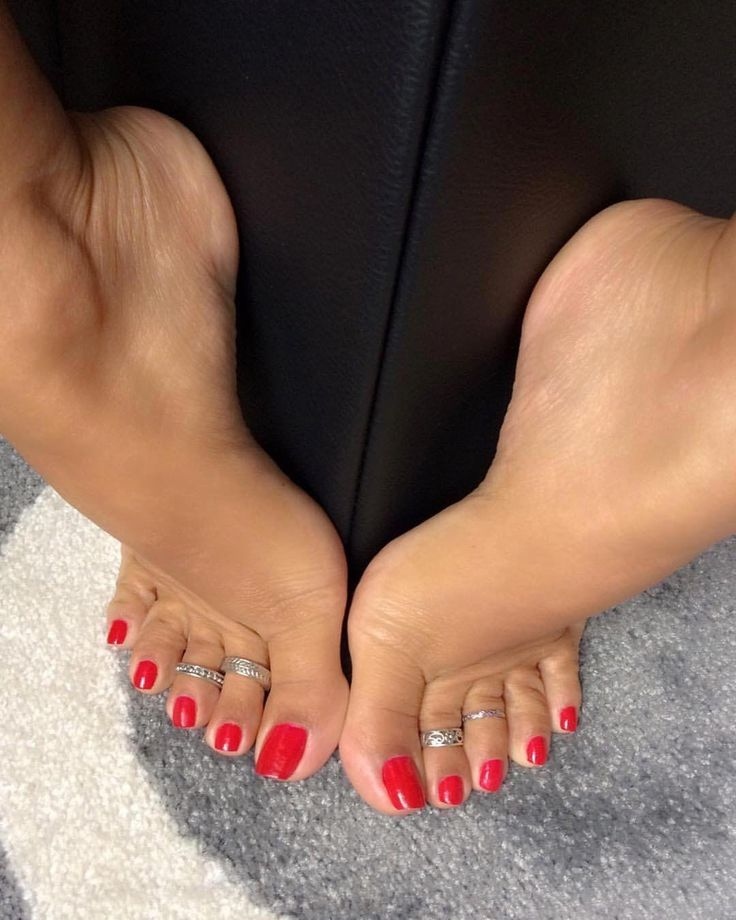 Pin on gorgeous scrunching toes