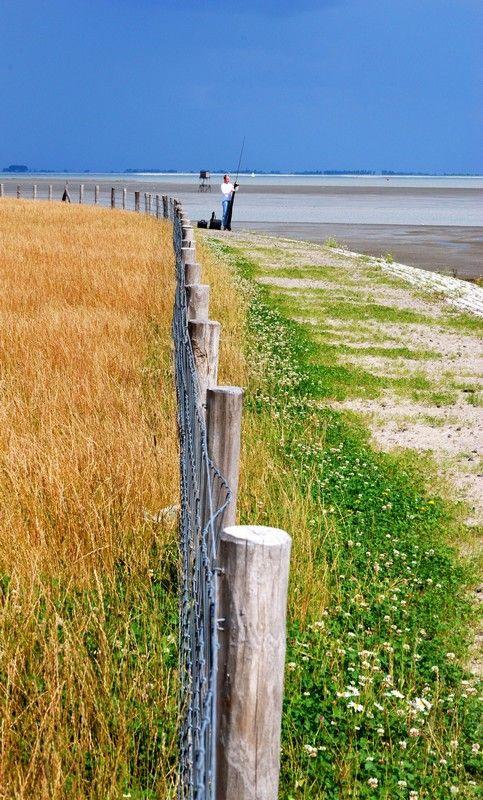 Between land and sea, Zierikzee, Netherlands Copyright: Nicole Girs