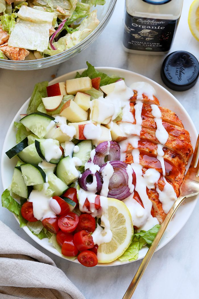 EASY GRILLED BUFFALO CHICKEN SALAD WITH CREAMY BLUE CHEESE DRESSING http://www.recipesfeedfood.com/easy-grilled-buffalo-chicken-salad-with-creamy-blue-cheese-dressing/