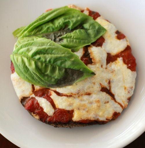 Mini portabella pizzas: Yummy Meals, Meals Dinner, Portabella Pizza, Dinner Tonight, Portobello Pizza, Cap Pizza