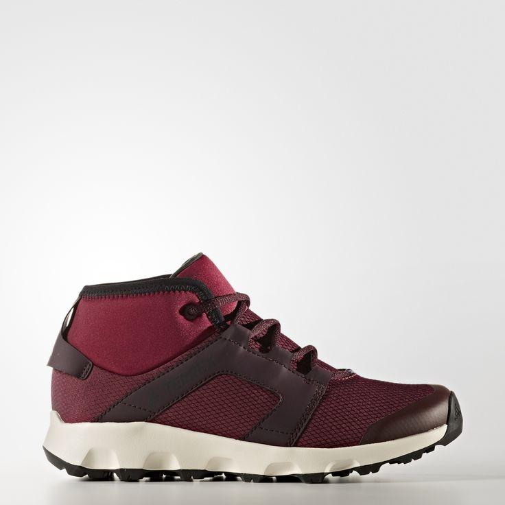 Deze schoenen zijn gemaakt voor lichte hikes op natte, koude trails in de winter. Hun pasvorm is specifiek voor dames en ze houden vocht buiten en warmte binnen dankzij het climaproof®-membraan en PrimaLoft®-isolatie. Het bovenwerk van ripstop voegt daar nog climawarm™ en een zachte, gevoerde boord aan toe. Dankzij de Stealth®-rubberen loopzool heb je ongelooflijke grip op sneeuw en ijs.