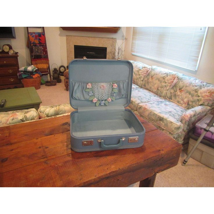 Vintage Blue Hard Sided Luggage Suitcase - Image 6 of 6