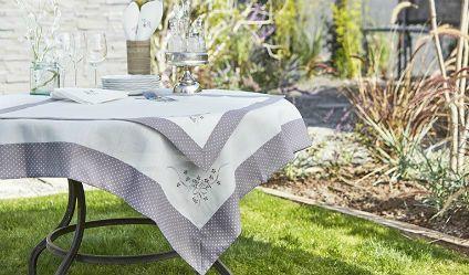 Mantel Lazo Gris. Visítanos en tuakiti.com #mantel #tablecloth #decoracion #homedecor #hogar #home #comedor #diningroom #servilleta #napkin #lazo #tuakiti