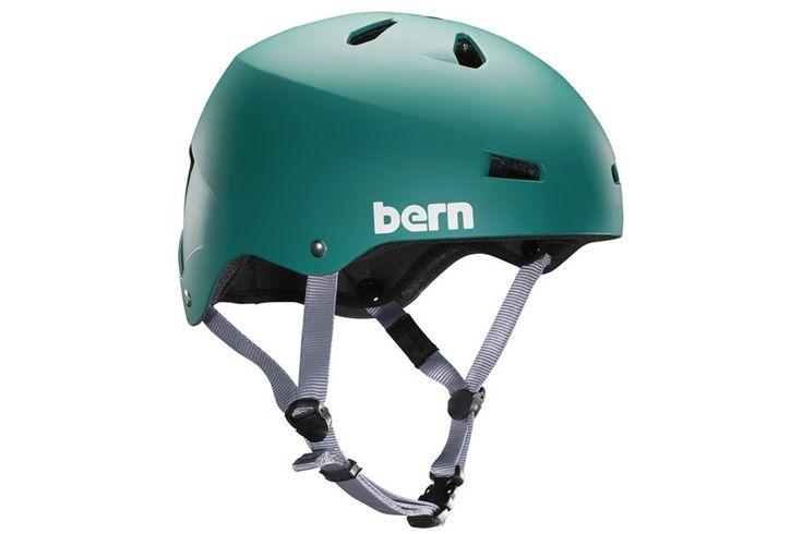 Bern Macon Helm - Mat Groen  Macon Helm:  Helm beschikbaar met ABS shell en EPS hard foam.  EPS hard foam voldoet aan ASTM F 2040 and EN 1077B standards voor sneeuw en ski CPSC en EN 1078 standards voor fiets en skate.  De Macon bike helm past helemaal bij de fixie skate style.  Bern's All Season liner system zorgt ervoor dat je the Macon op je snowboard skis of bike kunt gebruiken. ??  Goede ventilatie met 11 luchtgaten.  Verwijderbare en wasbare vulling van de hoogste kwaliteit en draag…