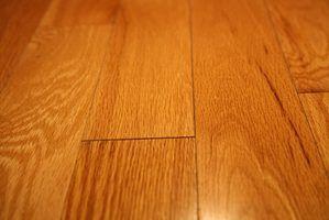 Reparação em pisos de madeira para deixá-los tão novos como restaurados