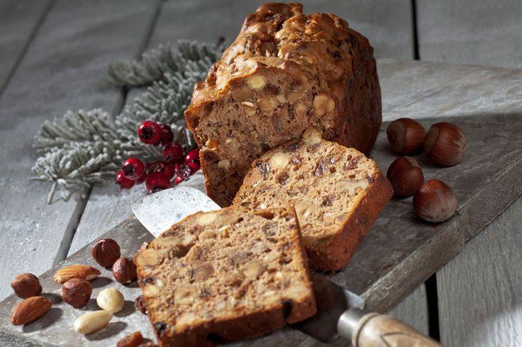 ***¿Cómo hacer queque de Navidad?*** Completa receta para preparar queque navideño, un toque repostero para las fiestas.....SIGUE LEYENDO EN..... http://comohacerpara.com/hacer-queque-de-navidad_4548c.html