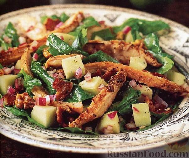Фото к рецепту: Салат из копченой курицы с яблоками