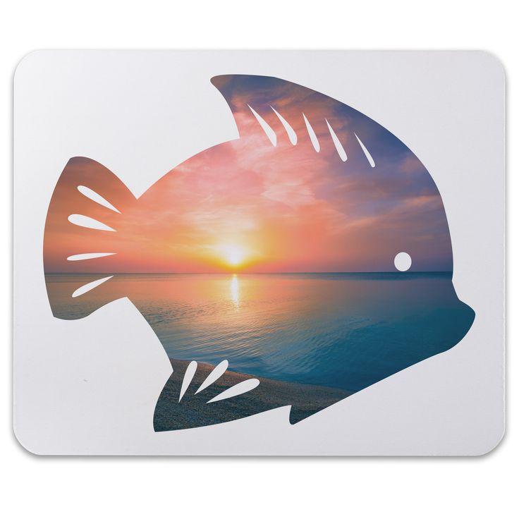 Mauspad Druck Fisch aus Naturkautschuk  black - Das Original von Mr. & Mrs. Panda.  Ein wunderschönes Mouse Pad der Marke Mr. & Mrs. Panda. Alle Motive werden liebevoll gestaltet und in unserer Manufaktur in Norddeutschland per Hand auf die Mouse Pads aufgebracht.    Über unser Motiv Fisch  Da die Welt zu 70 % aus Wasser. Für Meerestiere und Fische der perfekte Ort zu leben. Fische gibt es in alles Größen und Formen, in allen Farben und Vorkommen. In Aquarien kann man die faszinierende…