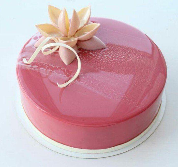 Les 25 meilleures id es de la cat gorie gla age rose sur for Glacage miroir fraise