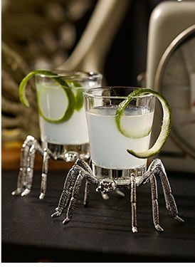 How cute (and creeepy!) are these spider shot glasses?