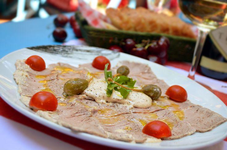 Vitelo Tonato  (slices with veal karé and tunafish dip)