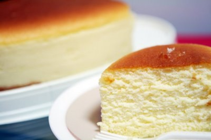 A DIFFERENT TYPE OF CHEESECAKE TO TRY
