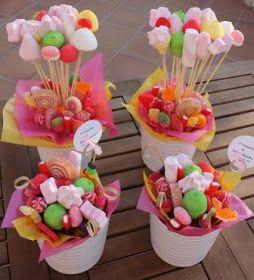 Manzanas recubiertas de chocolate, bombones, caramelos, paletas, chocolates, y otros dulces, pueden ir perfecto en un centro de mesa para c...