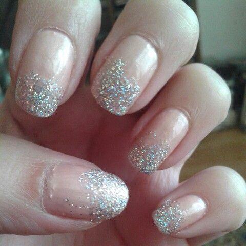 Lichtroze nagels met glitters! ♥