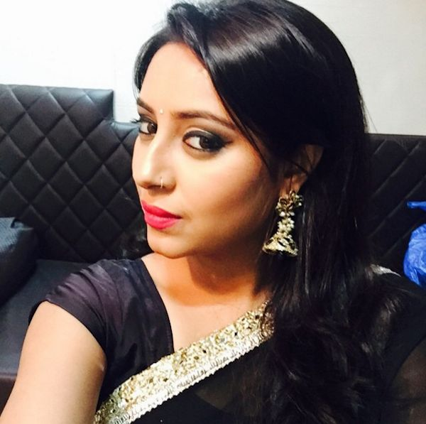 Musa de Bollywood comete suicídio aos 24 anos