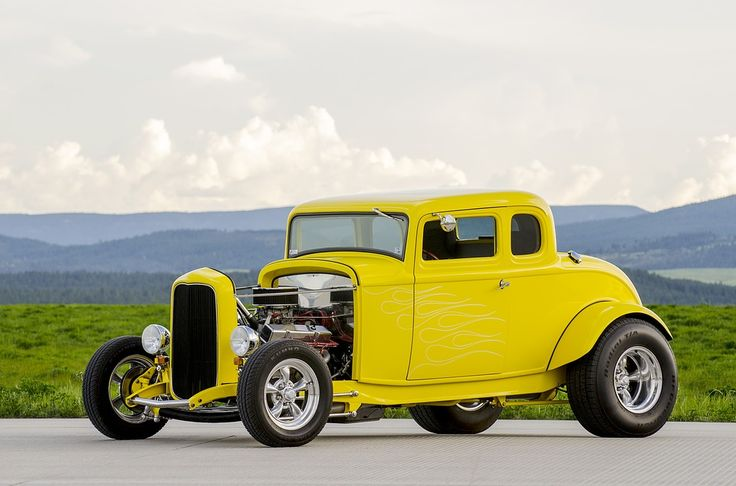 Vintage Car Collectors See A Growing Industry To Buy Into